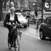 Летний дождь в Амстердаме :: Николай Кутян
