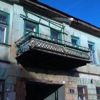 самый дорогой балкон города орла реставрировать не кому ! :: Галина Полохина