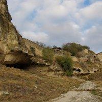 Крым.пещерный город Чуфут-Кале :: Николай Кононцев