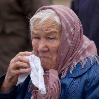Мать - все ждет с войны 6 своих погибших сыновей :: Aнатолий Дождев