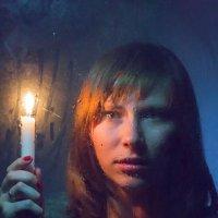 Портрет девушки со свечой :: Юра Викулин