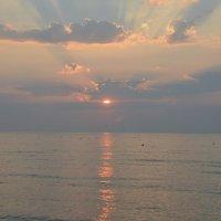Восход на Черном море :: Александр