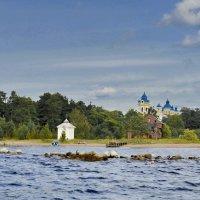 Остров Коневец. Рождественно-Богородичный мужской монастырь. :: Виталий Половинко