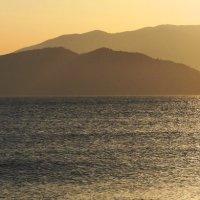 Закат на Восточном море :: Рустам Илалов