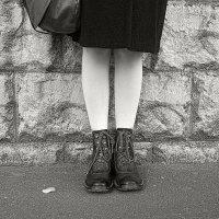 Сумка, ножки и ботинки :: Михаил Зинин