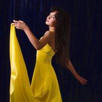 Девушка в желтом. )) :: Юлианна Джиоева