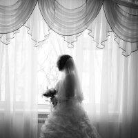 Невеста у окна :: Артём Дементьев