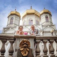Возле храма :: Ольга Вячеславна Подколзина