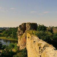 Стена и башня крепости Ивангород :: Олег .