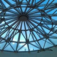 Крыша торгового центра :: Евгения Латунская