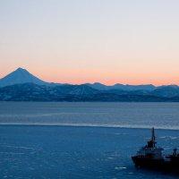 Закат над Авачинской бухтой :: bender j