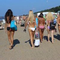 На пляже в Юрмале :: Mariya laimite