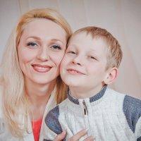 Мама с сыном :: Svetlana Shumilova