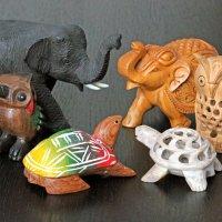 Отгадка: слева тайские, справа индийские сувениры :: Владимир Шибинский