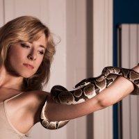 Портрет со змеей. :: Victoria Kovalenko