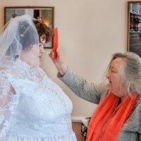 Каждый имеет право на счастье. Бабушка и внучка. :: Ринат Валиев