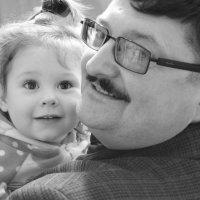 Дедушка и внучка :: Нюра Жадан