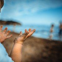 море песок лето и детское удивление ) :: Вячеслав Борисюк