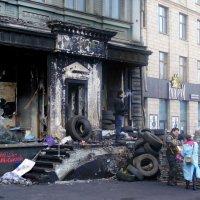 На Грушевского после обстрела :: Ростислав