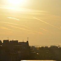 золотой рассвет с крыши :: Владимир Молочев