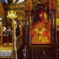 В церкви Святых Киприана и Иустины :: Вячеслав Мишин