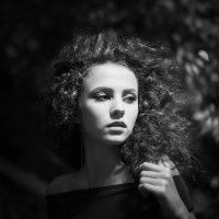 Девушка пела в церковном хоре... :: Сергей Пилтник