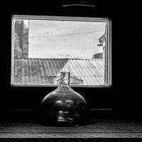 У окна. :: Игорь Емельянов