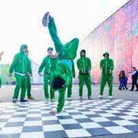 Уличные танцы, олимпийский парк :: Дмитрий Тарнавский