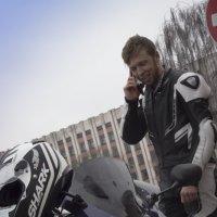 Новый костюм, новый шлем и новый мотоцикл... :: G Nagaeva