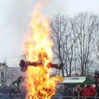 Сожжение чучела Зимы :: Светлана Цимбалиста