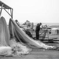 Арабские рыбаки (Яффо) :: Владимир Горубин