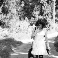 девочка-гот на кладбище :: Анна Сержант