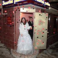 выход через сувенирную лавку :: Ник Карелин