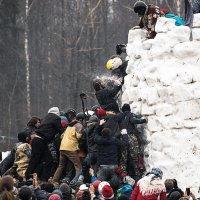 Штурм ледяной крепости :: Иван Чурин