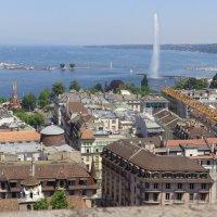 Вид с кафедрального собора св. Петра на фонтан Jet d´Eau :: Екатерина Пирогова