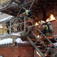 ....в пожар !!! :: Иван Бобков