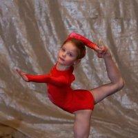Юная гимнастка. :: Иван Бобков