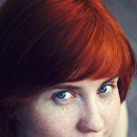 Портрет рыжеволосой девушки с голубыми глазами :: Матвей Коршунов