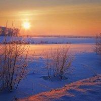 Картинка деревенская, зимне-вечерняя... :: Александр Никитинский