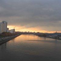 Вид из окна вагона метро. :: Владимир  Зотов