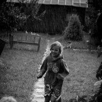 Под дождем. :: Александра Губина