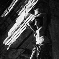 Люди и руины :: Николай Дроздов