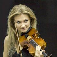 Скрипачка :: Екатерина Рябинина