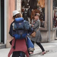 Неужели я так похож на бездомного, что на меня можно озираться ??? :: Александр Кокоулин