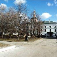 Внутренний двор Свято -Данилова монастыря :: Владимир Прокофьев