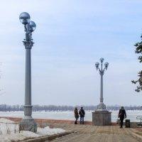 фонари   набережная в марте :: Арсений Корицкий