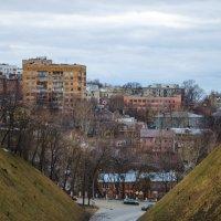 меж холмов :: Сергей Лазарев