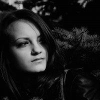 под тенью :: Maryna Krywa