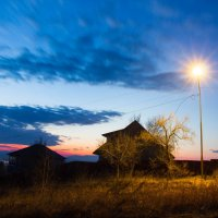 Одинокий дом на закате дня... :: Тамара Морозова