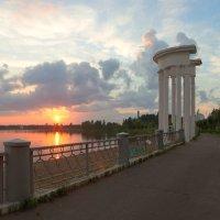 закат на городском озере :: Дамир Белоколенко